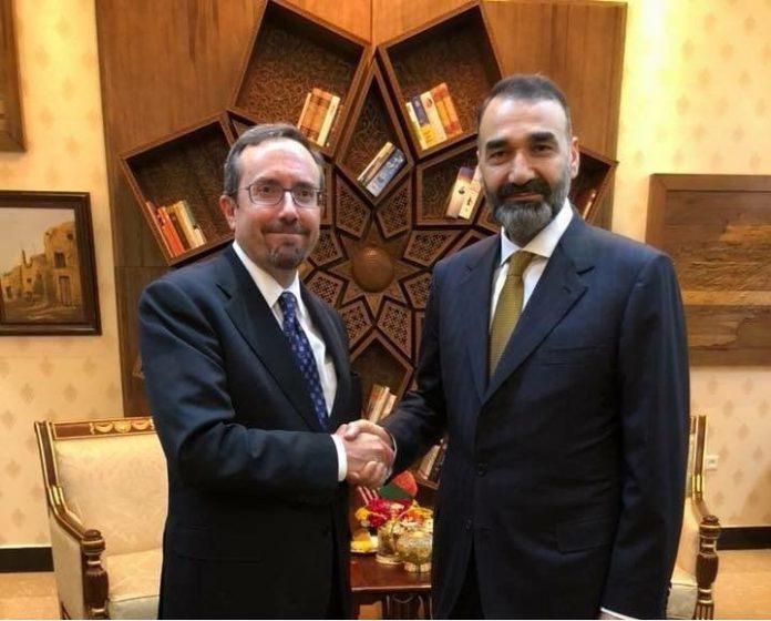 محمد نور 1 - دیدار والی پیشین بلخ با سفیر امریکا در افغانستان