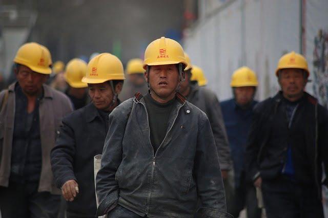 چینایی - انتقال 46 هزار تن از ساکنان ولایت سین کیانگ به مناطق دیگر چین