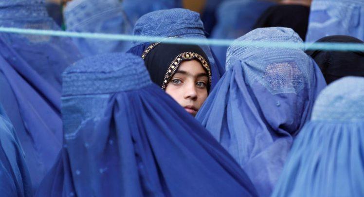 برقع - حضور غرب و گسترش فرهنگ ابتذال در افغانستان