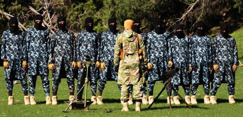 4 1024x495 - تصاویر/ قدرت نمایی داعش در ننگرهار