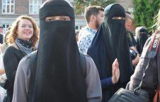 دنمارک تظاهرات برقع 2 226x145 - تصویر/ تظاهرات صدها تن علیه ممنوعیت پوشیدن برقع در دنمارک