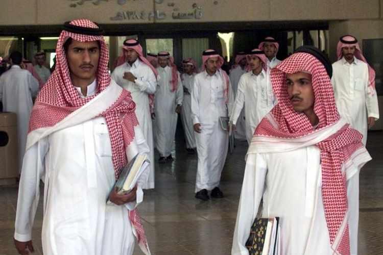 عربستان 2 - جذب جوانان پاکستانی به بهانه تحصیل در عربستان