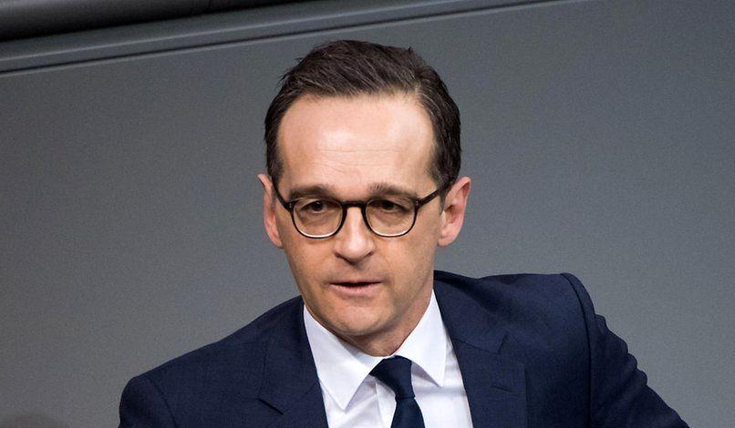 ماس - انتقاد وزير خارجه جرمنی از ریيس فيس بوک به دليل حذف نکردن نظرات منكران هولوكاست!