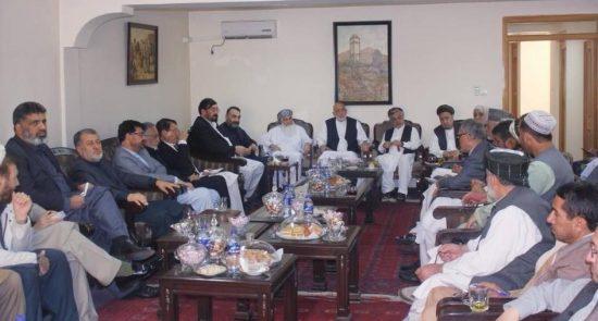 کرزی 550x295 - نشست صمیمی شماری از رهبران سیاسی با حامد کرزی