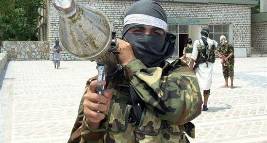 تروریست 1 550x295 - پاکستان و سیاست دوگانه؛ حمایت از صلح و اشتراک در عملیات تروریستی