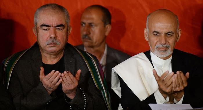 دوستم - هواداران جنرال دوستم: اجازه ورود اشرف غنی به فاریاب را نمی دهیم!