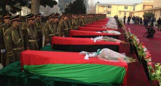 عسکر 550x295 - افزایش تلفات نیروهای امنیتی افغان در سایه معامله خارجی ها با طالبان