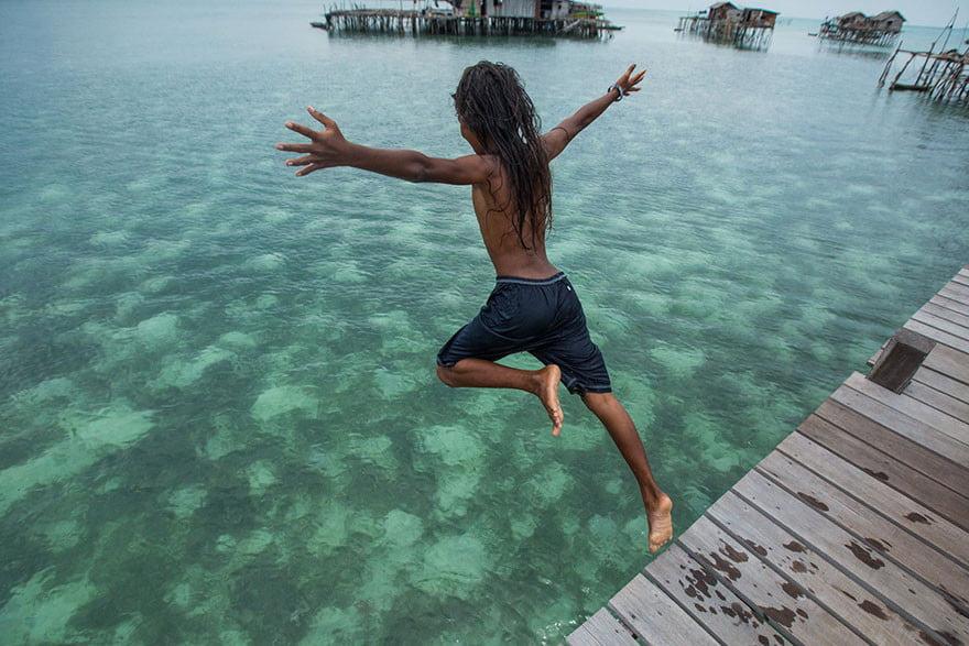 قبیله باجائو 4 - تصاویر/ قبیله ای که فقط در آب زنده گی می کنند!