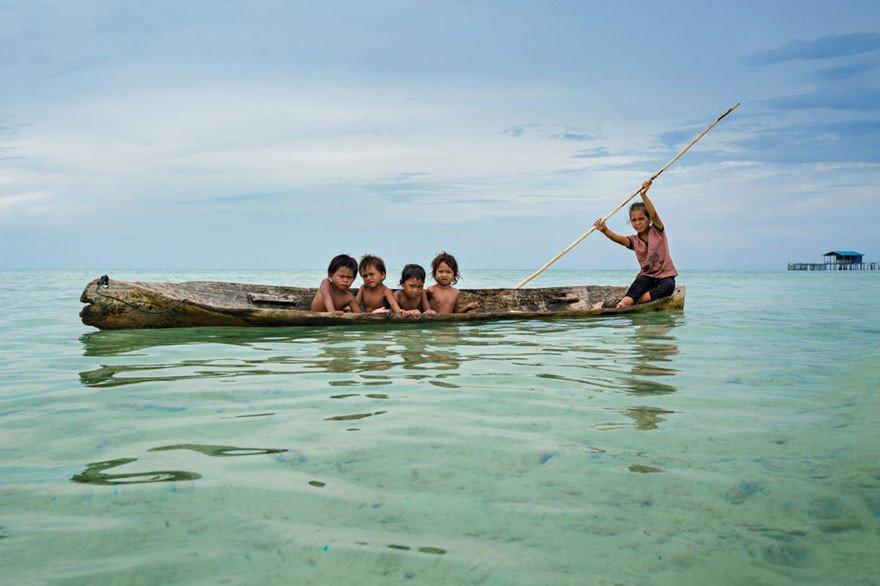 قبیله باجائو 5 - تصاویر/ قبیله ای که فقط در آب زنده گی می کنند!