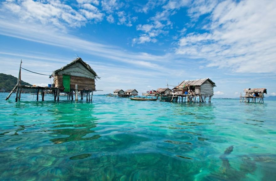قبیله باجائو 6 - تصاویر/ قبیله ای که فقط در آب زنده گی می کنند!
