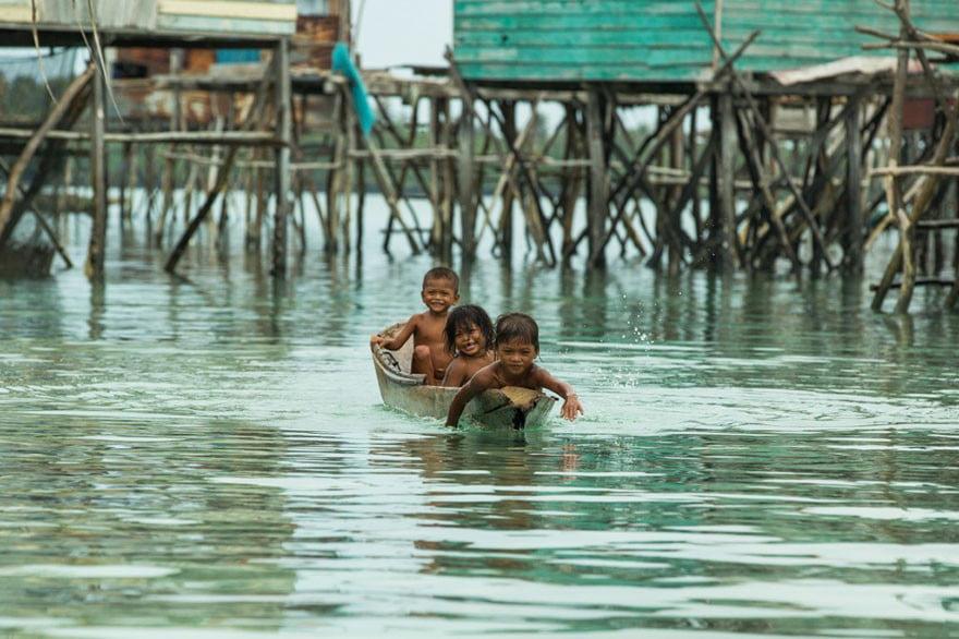 قبیله باجائو 7 - تصاویر/ قبیله ای که فقط در آب زنده گی می کنند!