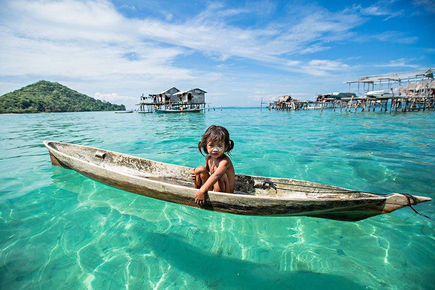 قبیله باجائو - تصاویر/ قبیله ای که فقط در آب زنده گی می کنند!