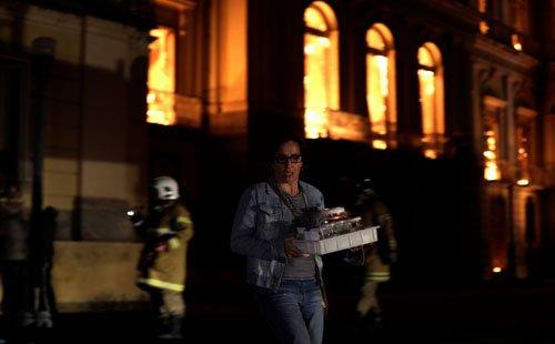 موزیم ملی برازیل5 - تصاویر/ آتشسوزی در موزیم ملی برازیل