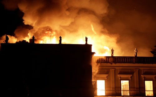 موزیم ملی برازیل7 - تصاویر/ آتشسوزی در موزیم ملی برازیل