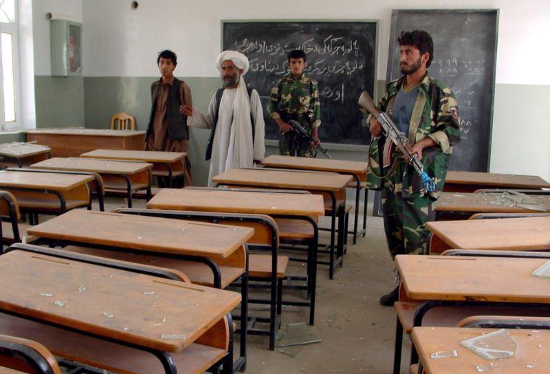 مکتب - تهدیدهای داعش 8 مکتب در ولایت ننگرهار را به تعطیلی کشاند!