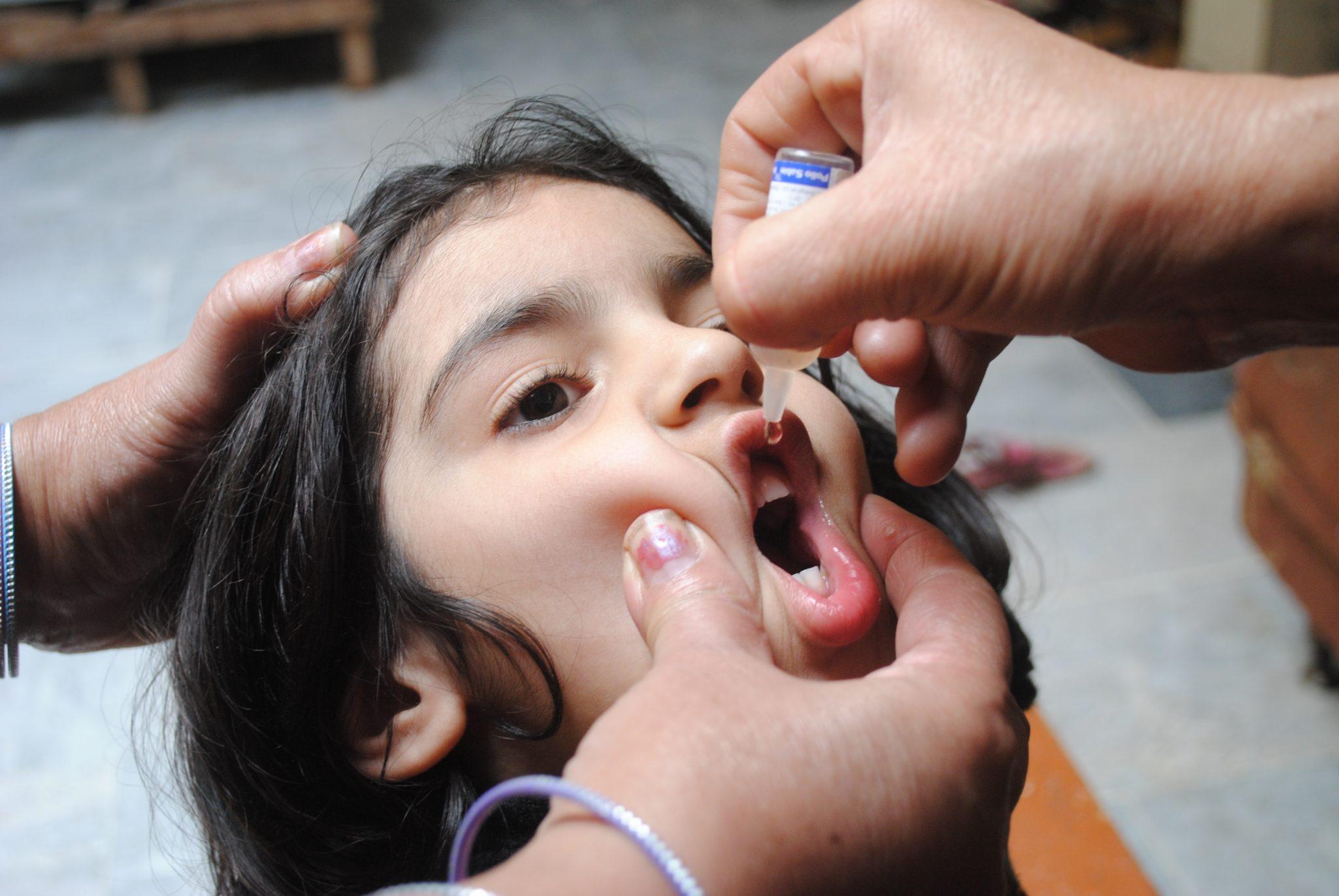 واکسین - آغاز کمپاین تطبیق واکسین پولیو در ۳۲۴ ولسوالی کشور