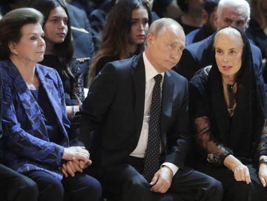 پوتین4 - تصویر/ حضور رییس جمهور روسیه در مراسم تشییع خواننده مشهور