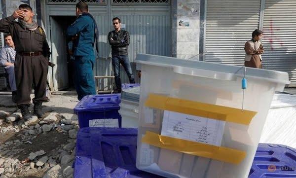 انتخابات1 - اختلافات کمیسیون انتخابات و ناظران احزاب سیاسی ادامه دارد