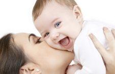 بوسیدن 226x145 - مرگ نوزاد 18 روزه بر اثر بوسیدن! + تصاویر