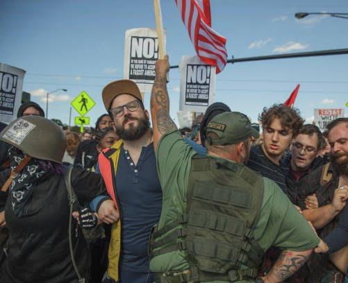 تظاهرات امریکا7 - تصاویر/ درگیری مظاهره کننده گان امریکایی با پولیس