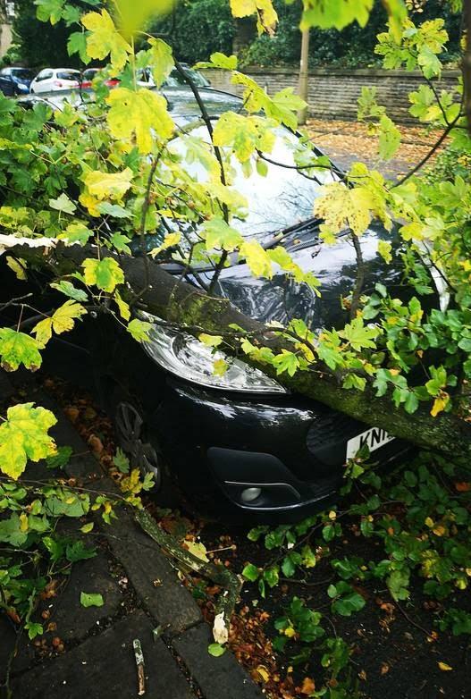 توفان بریتانیا 2 - تصاویر/ وقوع توفان سهمگین در بریتانیا
