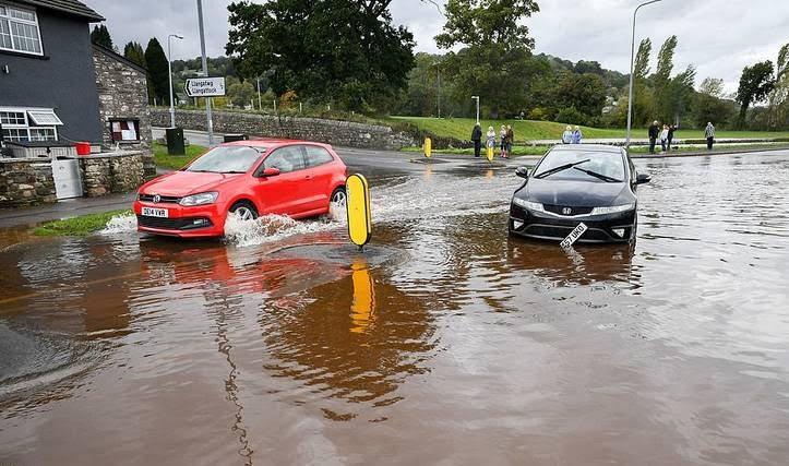 توفان بریتانیا - تصاویر/ وقوع توفان سهمگین در بریتانیا