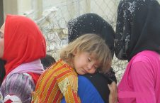 زن 1 226x145 - داعش اعضای ۱۳۰ خانواده را ربود!