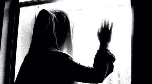 زن 3 529x295 - شکنجه وحشتناک یک زن در فاریاب