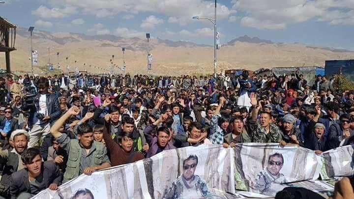 قوماندان علی پور12 - تصاویر/ حمایت هزاران نفر از مردم بهسود از قوماندان علی پور
