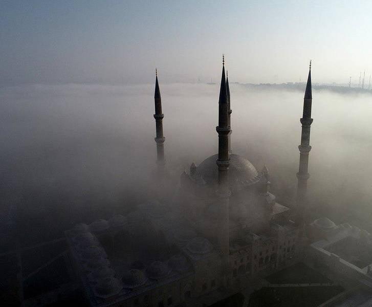 مسجد سلیمیه - تصاویر/ مسجدی در میان ابرها