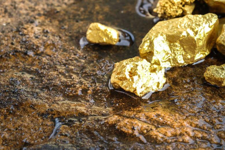 معادن طلا - استخراج و قاچاق معادن طلای هلمند توسط پاکستانیها