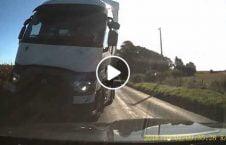 ویدیو نجات معجزه آسا تصادف وحشتناک 226x145 - ویدیو/ نجات معجزه آسا از تصادف وحشتناک!