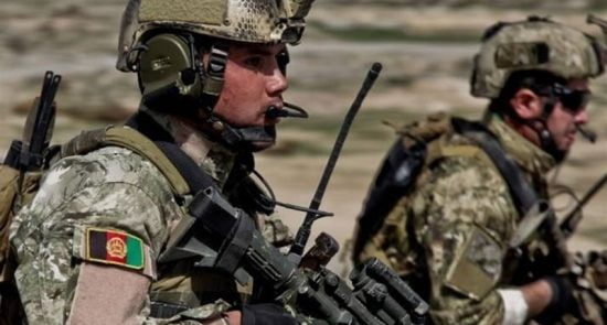 کماندو 1 550x295 - نبرد دلاورانه کماندوهای افغان با مخالفین مسلح