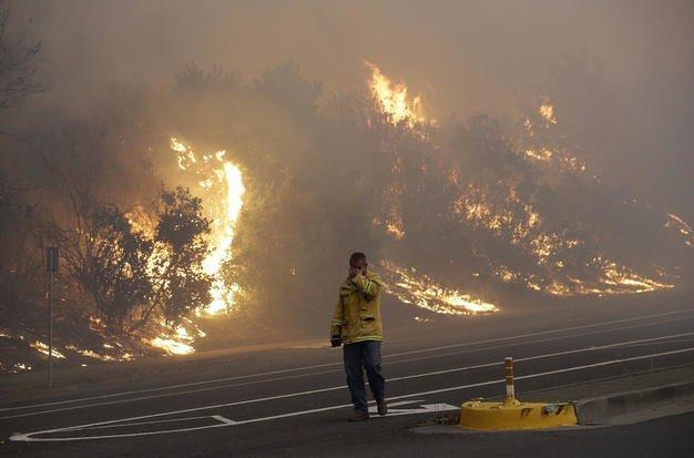 آتش - آتشسوزی مرگبار کالیفورنیا همچنان قربانی می گیرد!