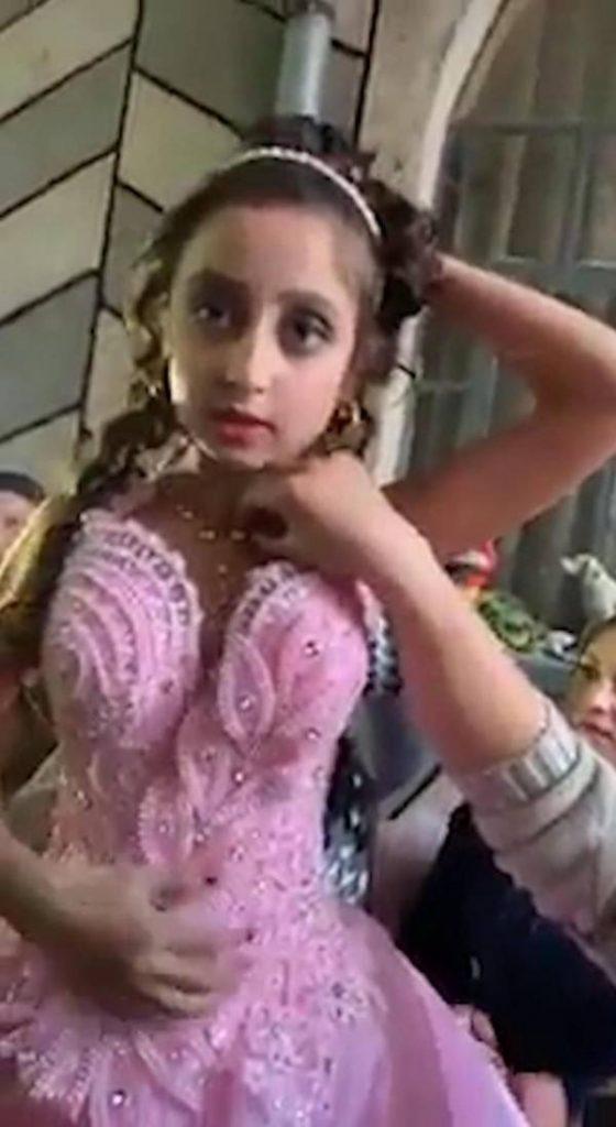 ازدواج دختر 560x1024 - ازدواج جنجالی دختر 8 ساله با پسر 10 ساله! + تصاویر