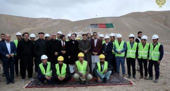 اشرف غنی بامیان 550x295 - در ادامه سفرهای انتخاباتی رییس جمهور؛ افتتاح سه پروژه برقرسانی در بامیان