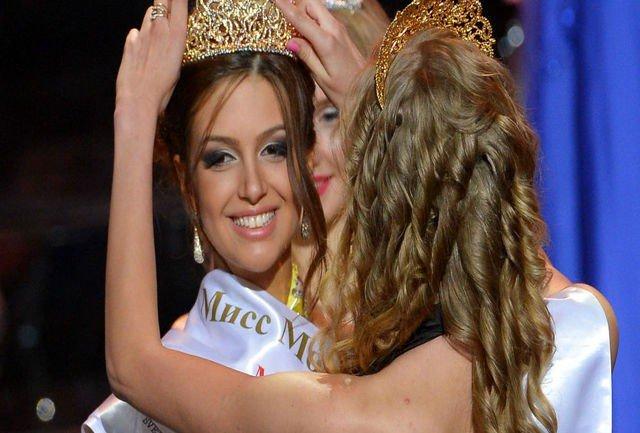 اکسانا وویوودینا 1 - ملکه زیبایی روس مسلمان شد + تصاویر