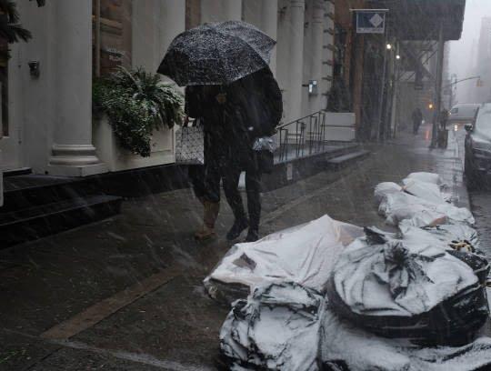 برف4 - تصاویر/ جان باختن 7 باشنده امریکایی بر اثر بارش برف