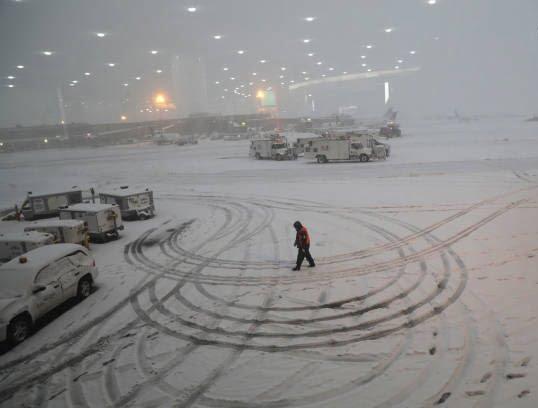 برف6 - تصاویر/ جان باختن 7 باشنده امریکایی بر اثر بارش برف