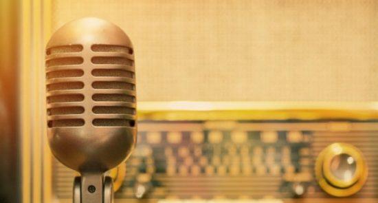 رادیو 550x295 - توقف نشرات دهها رادیو و تلویزیون در مناطق تحت تصرف طالبان