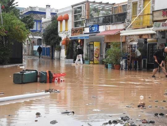 سیل 10 - تصاویر/ باران سیل آسا در ترکیه!