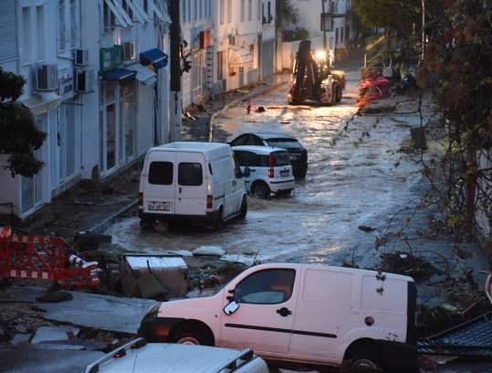 سیل 4 - تصاویر/ باران سیل آسا در ترکیه!