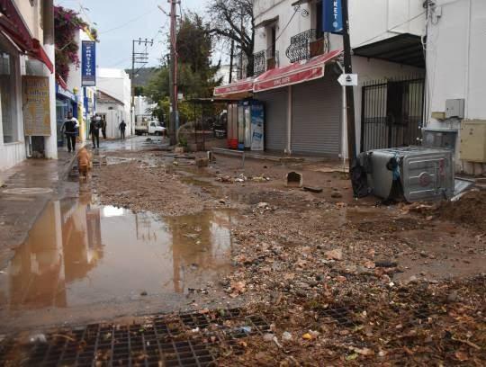سیل 8 - تصاویر/ باران سیل آسا در ترکیه!