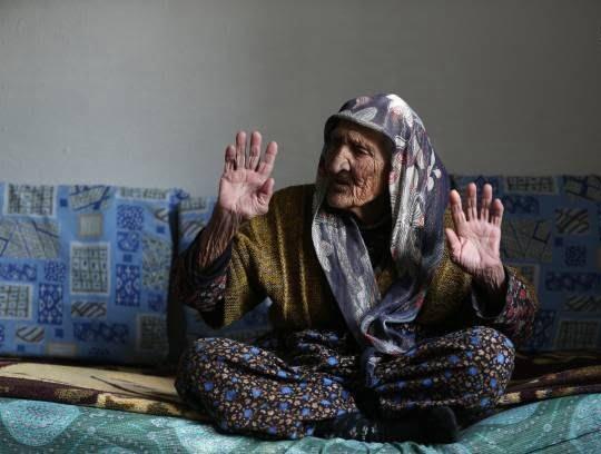 فاطمه بینگول 3 - تصاویر/ پیرترین زن ترکیه