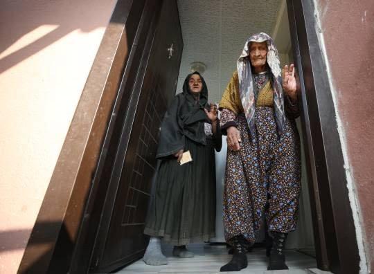 فاطمه بینگول 5 - تصاویر/ پیرترین زن ترکیه