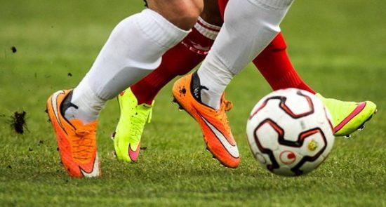 فوتبال 550x295 - بهترین فوتبالیستهای دنیا در 12 ماه اخیر