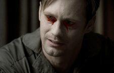 گریه خون 226x145 - این مرد ایتالیایی خون می گرید! + عکس