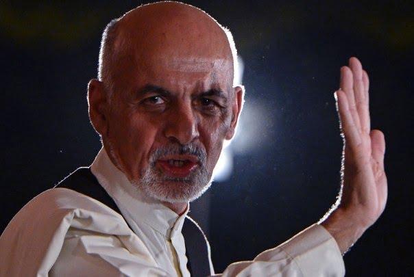 اشرف غنی - غمشریکی رییس جمهور غنی با خانوادههای قربانیان انفجار تروریستی کابل