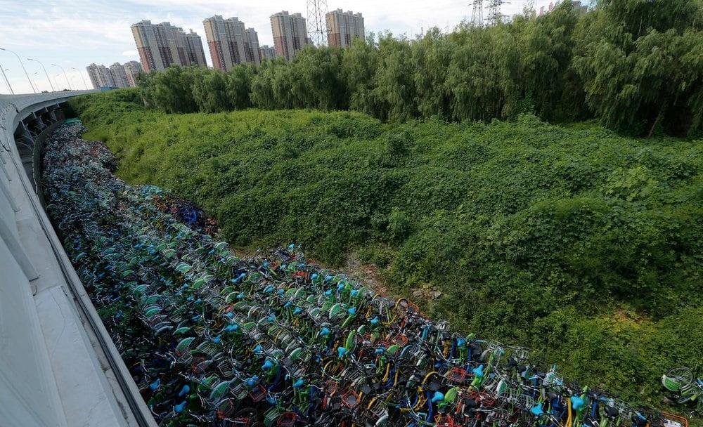بایسکل 4 - تصاویر/ گورستانی عجیب در کشور چین