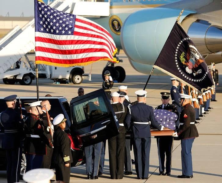 تابوت بوش 2 - تصاویر/ تابوت ایچ دبلیو بوش در کانگرس امریکا